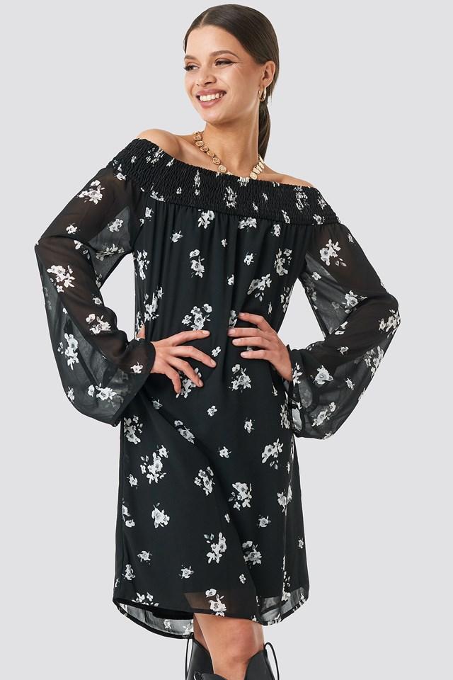 Black/White Flower Print Sukienka Z Szerokimi Rękawami