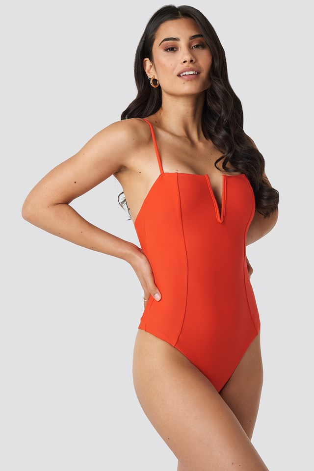 V-Shape Front Seam Swimsuit Red