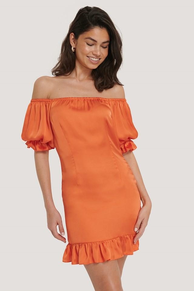 Sukienka Z Opuszczonymi Bufiastymi Rękawami Burnt Orange