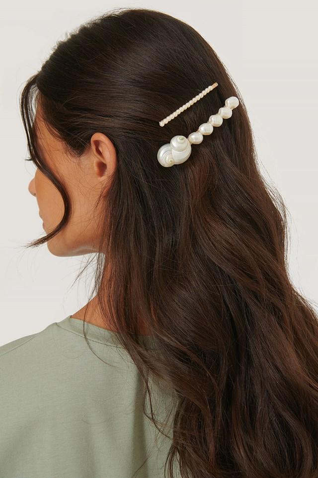 Petunia Hairclip White Pearl