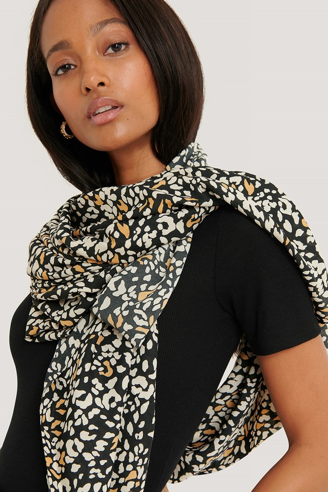 Abstract Leopard Scarf Black