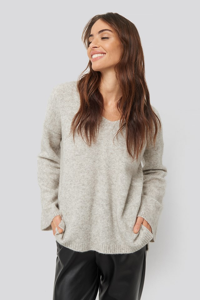 Alpaca Knitted V-Neck Sweater Light Grey