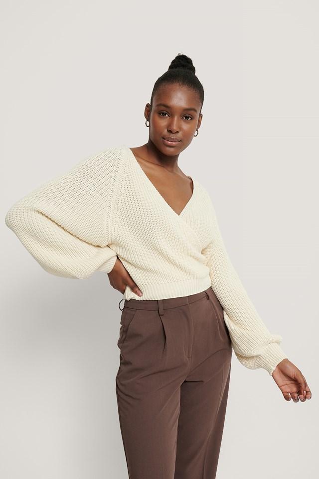 Ekologiczny Kopertowy Dziergany Sweter Z Bufiastymi Rękawami Cream