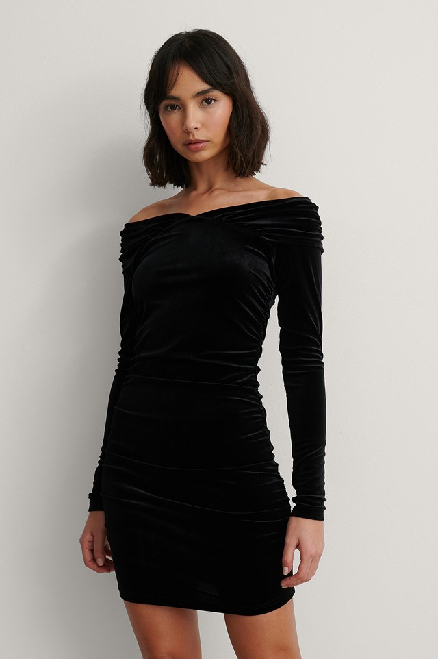 Black Bare Shoulder Velvet Dress