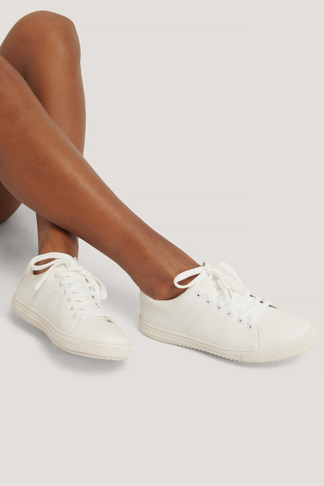 White Basic Tennis Trainers