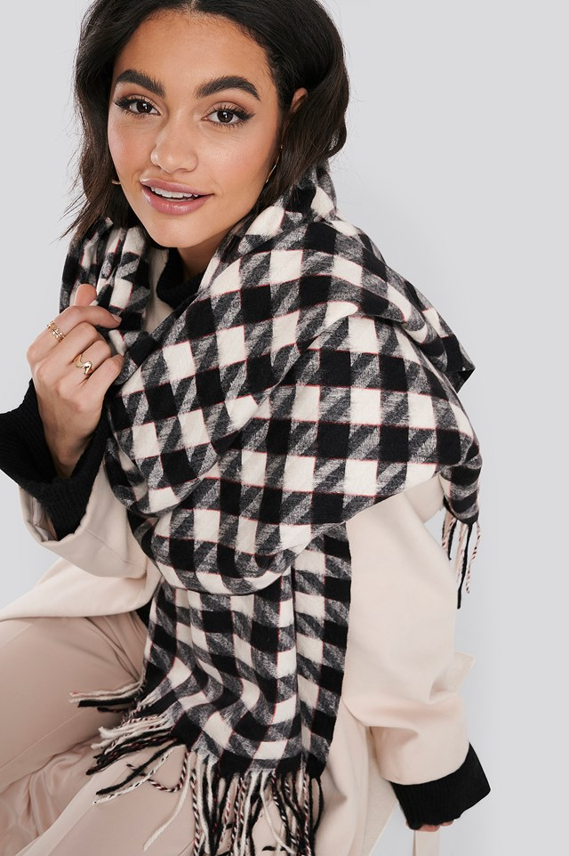 Big Dogtooth Patterned Soft Scarf Black/White