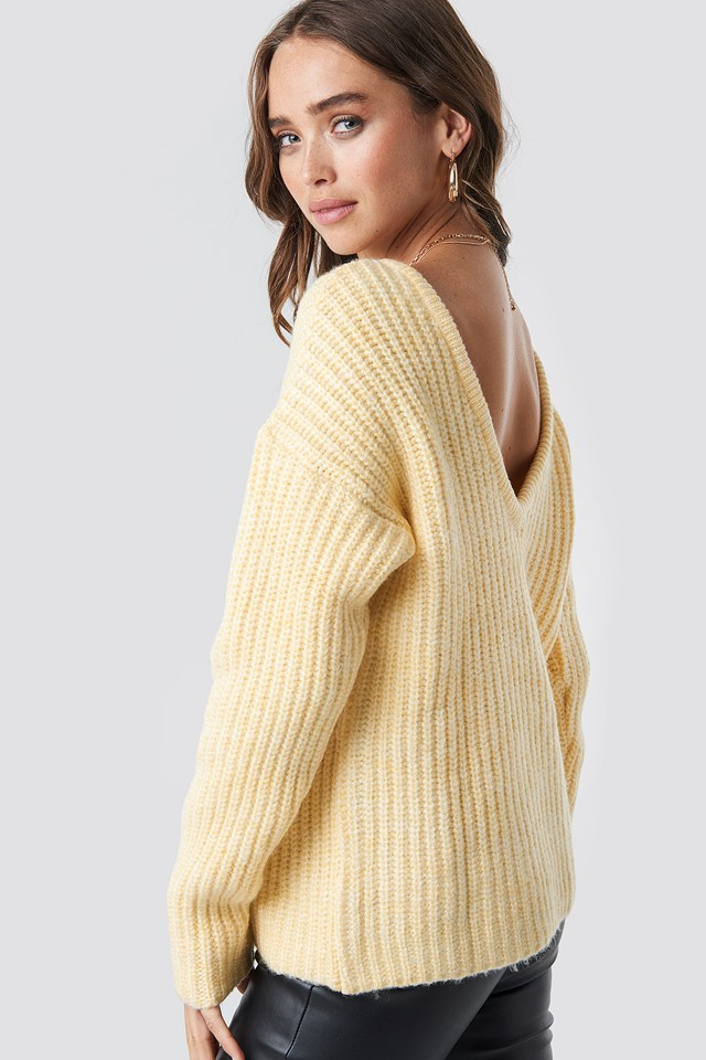 Boxy V-back Knitted Sweater Light Yellow