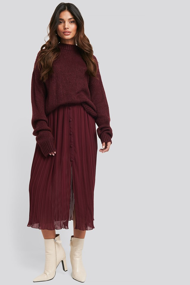 Burgundy Button Detail Pleated Skirt