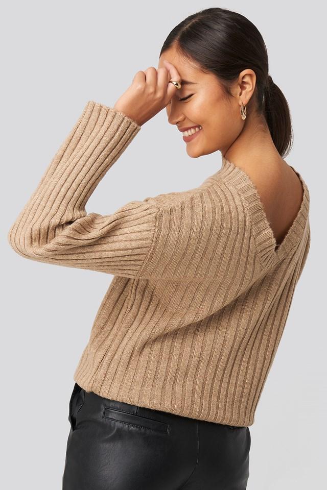 Sweter Z Dzianiny Odsłaniający Plecy Beige