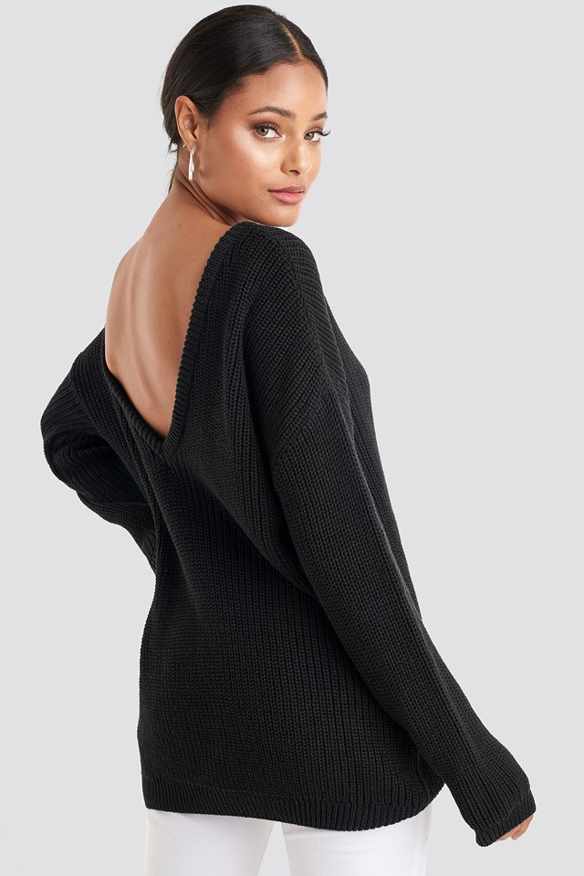 Sweter Z Dzianiny Z Głębokim Dekoltem W Serek Black