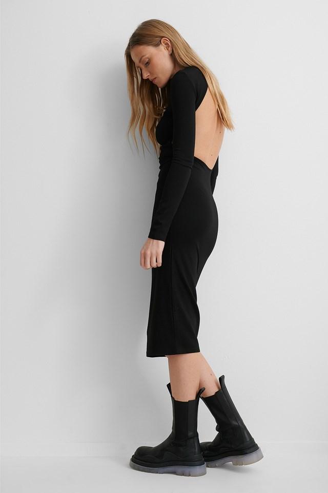 Black Sukienka O Głębokim Wycięciu Z Tyłu
