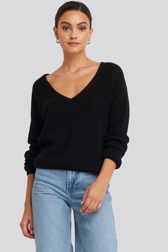 Sweter z głębokim dekoltem V Black