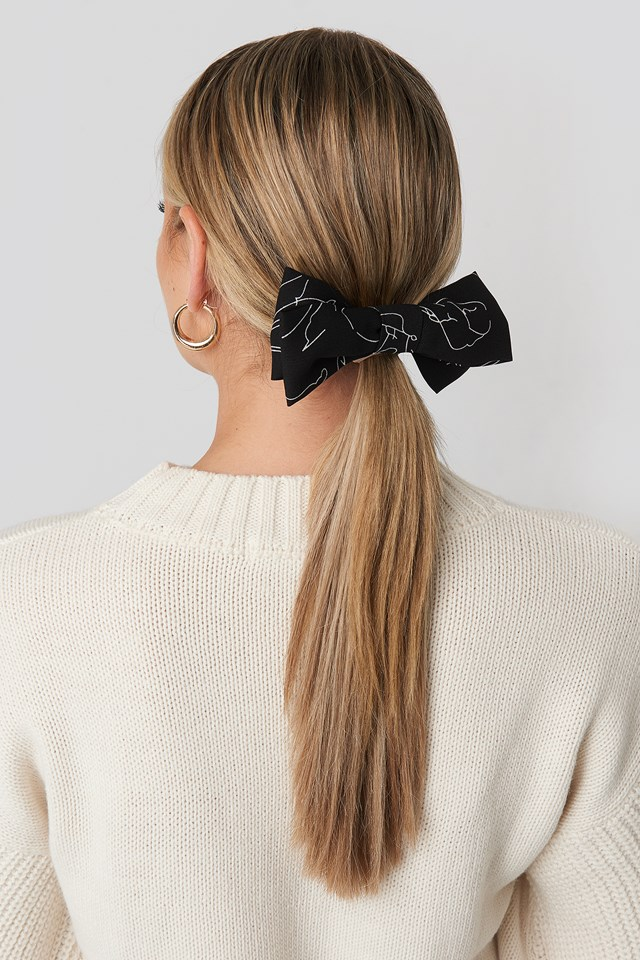 Floral Lines Hair Clip Black