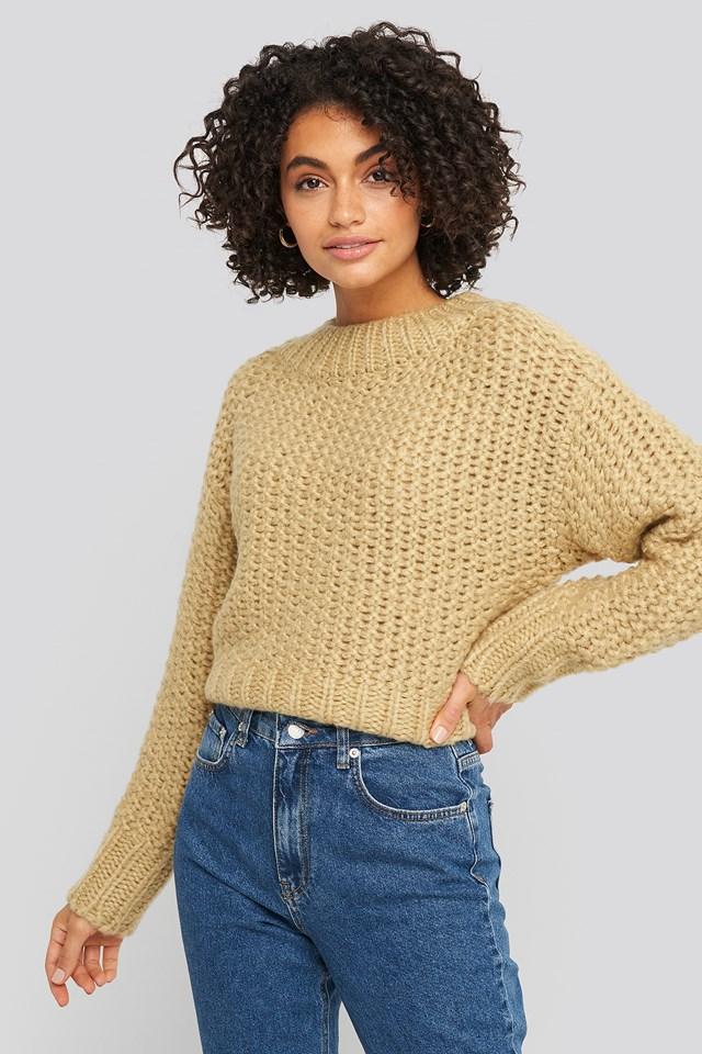 Heavy Knitted Wide Rib Sweater Beige