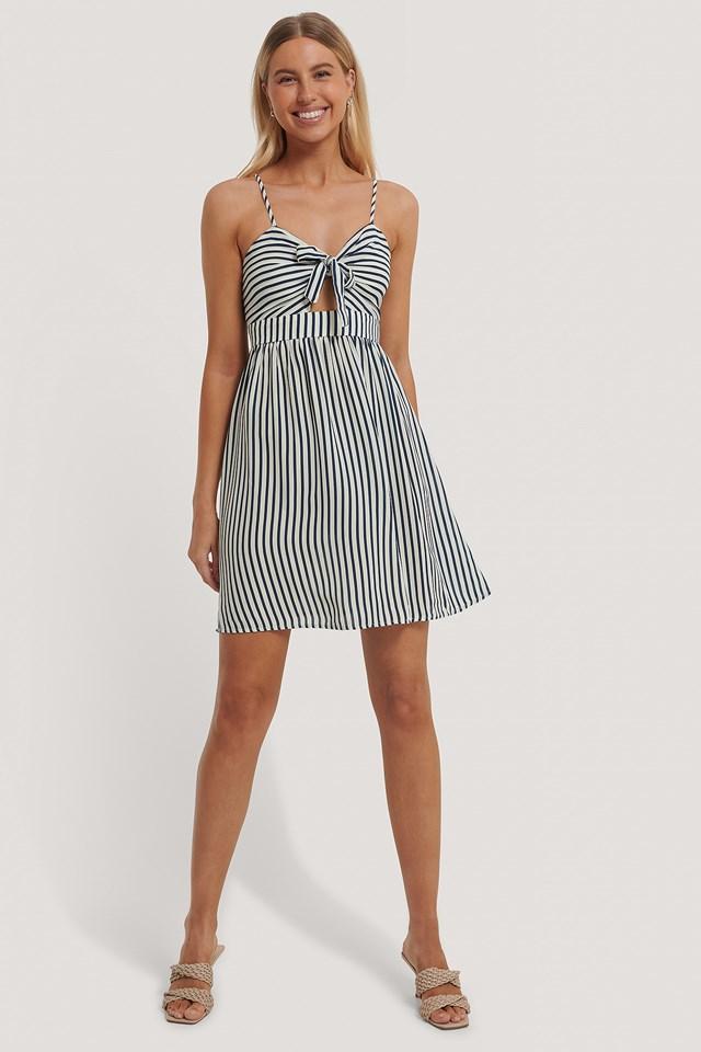 Blue Stripe Sukienka Z Wiązaniem Z Przodu I Wycięciem