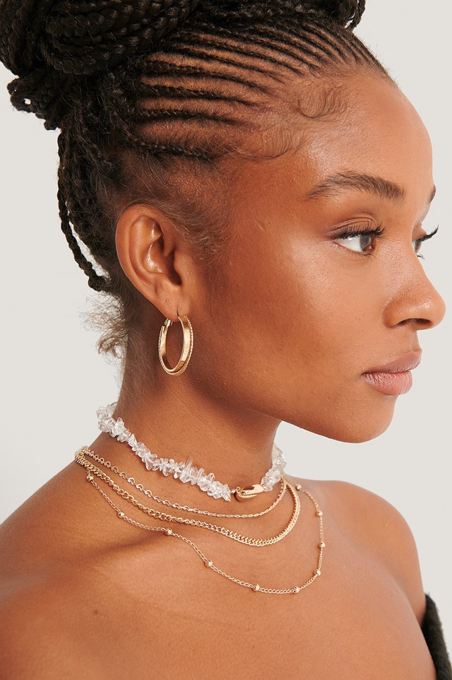 Multilayered Shell Detail Necklace Gold