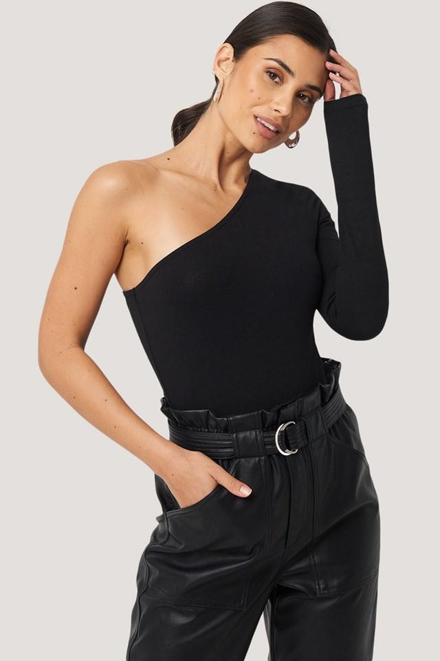 One Shoulder Body Black