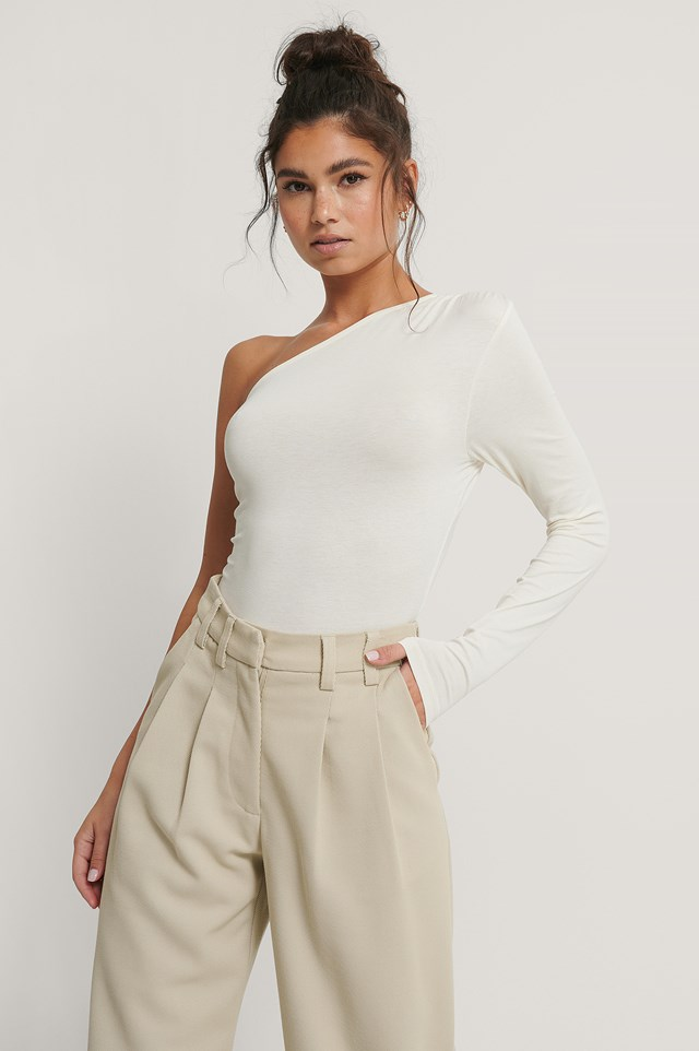 One Shoulder Draped Body Offwhite