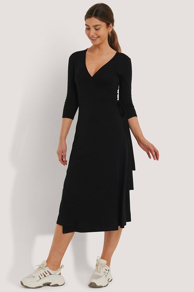 Black Wiązana Sukienka O Fasonie Kopertowym
