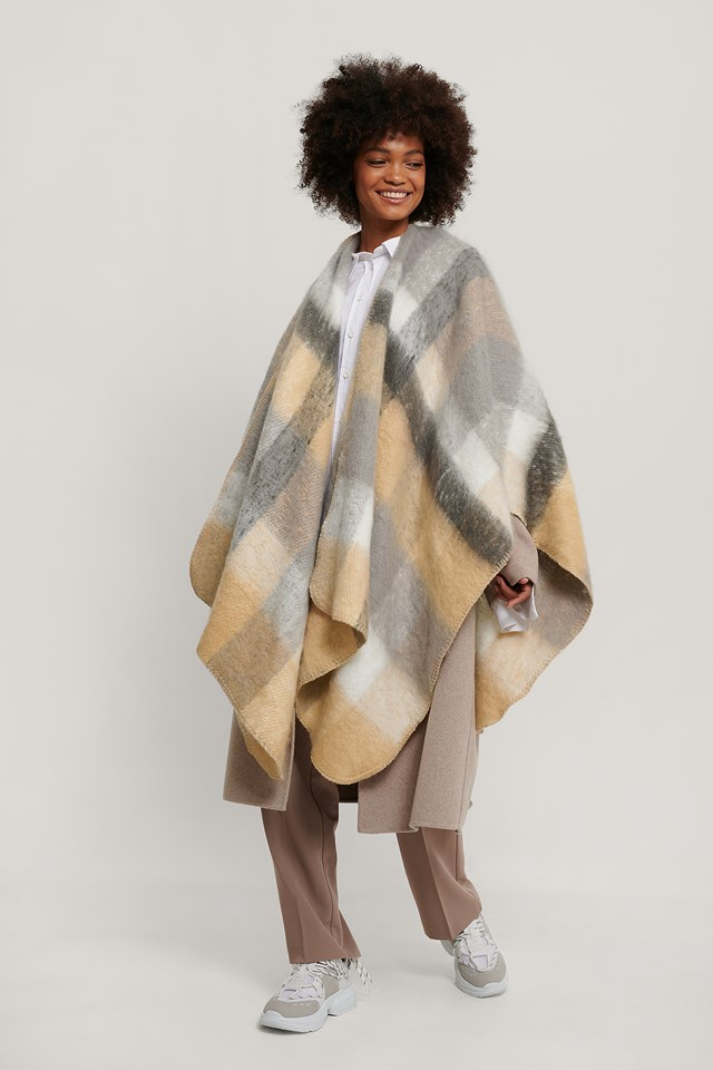 Oversize Checkered Poncho Beige/grey