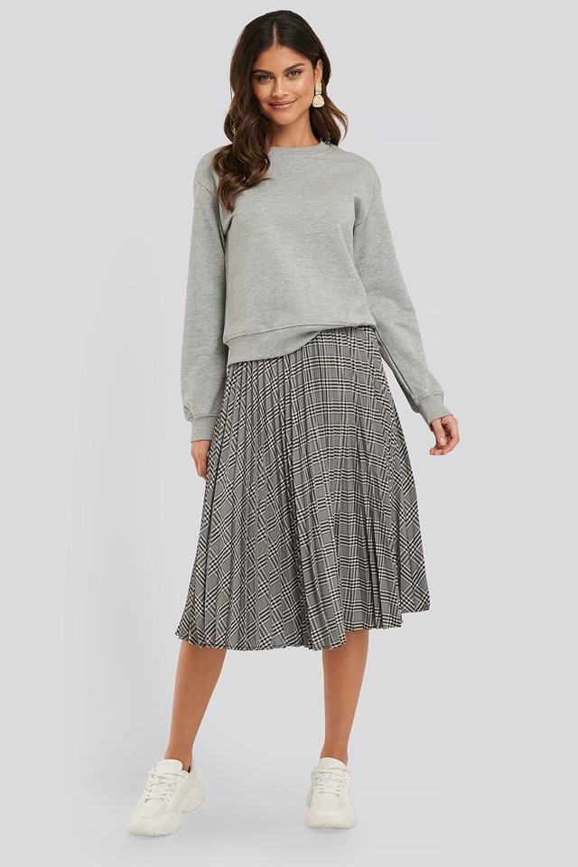 Plaid Pleated Midi Skirt Black/White Check