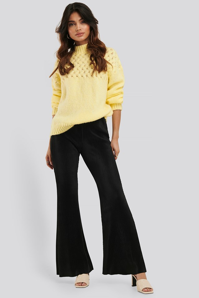Pleated Flare Pants Black