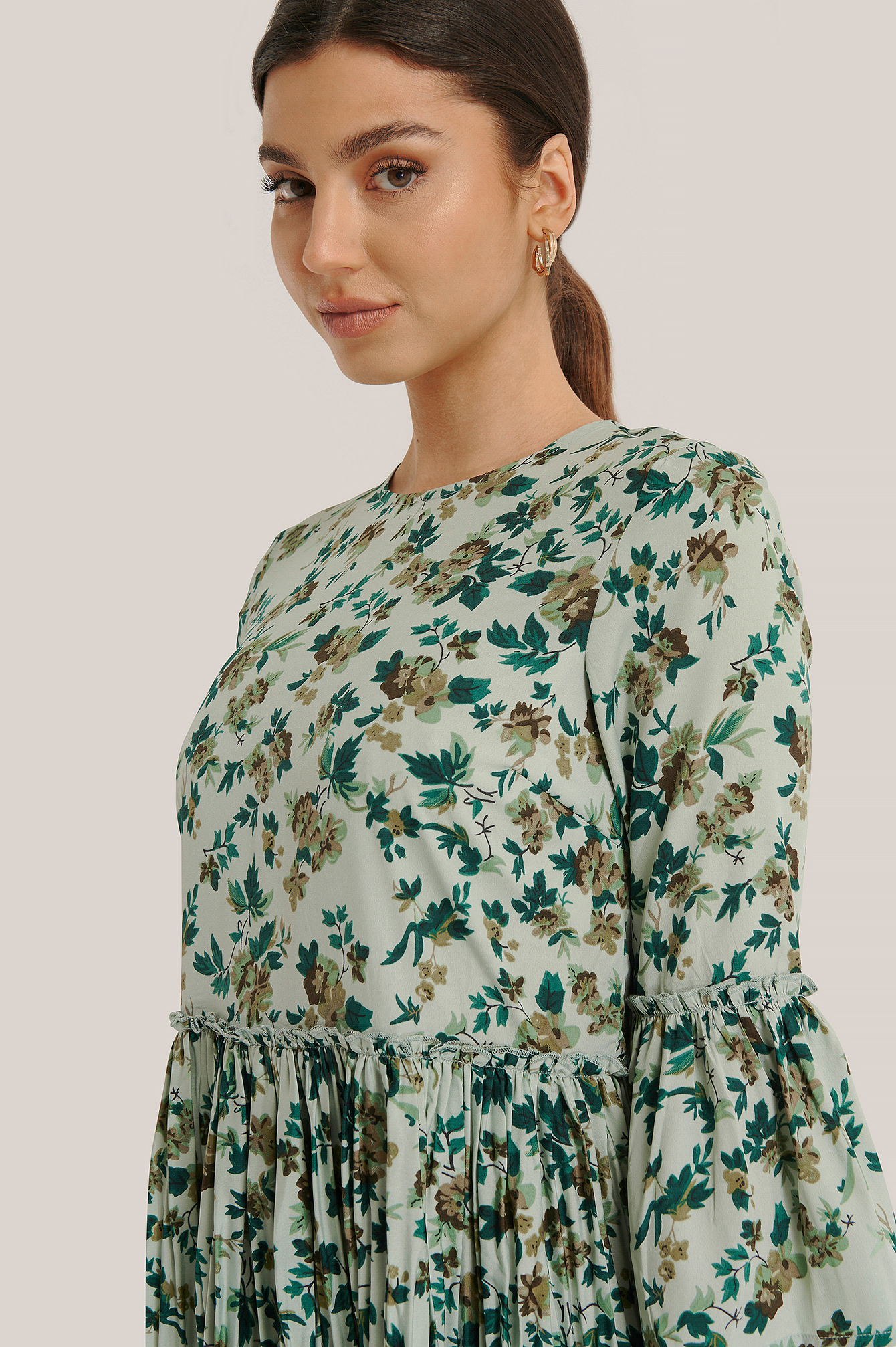 Green Flower Pleated Round Neck Dress