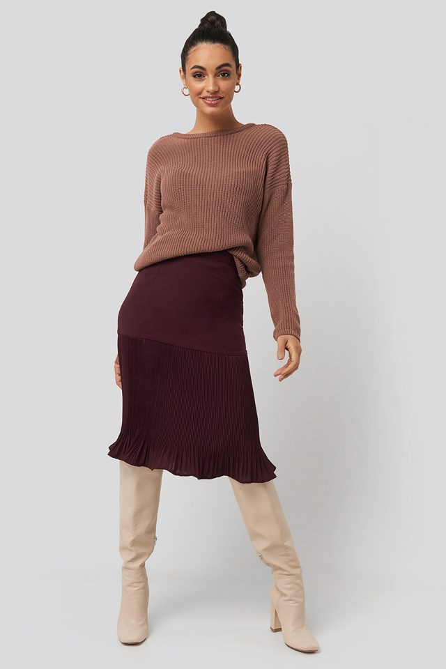 Burgundy Pleated Detail Skirt