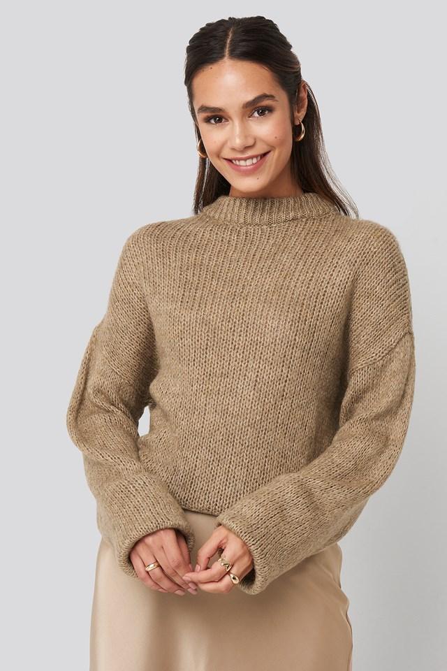 Sweter Z Dzianiny Z Okrągłym Dekoltem Beige