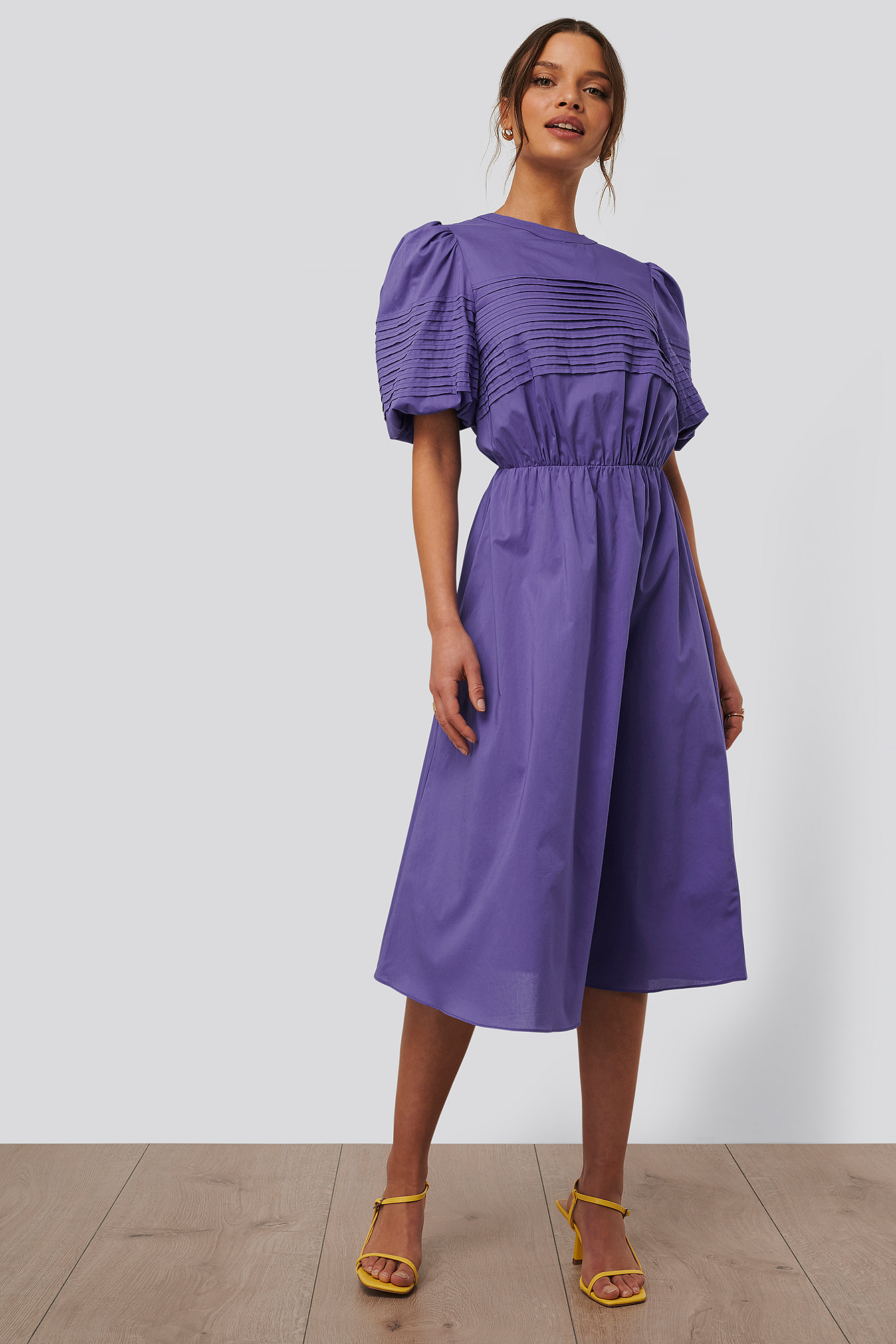 Purple Short Puff Sleeve Midi Dress