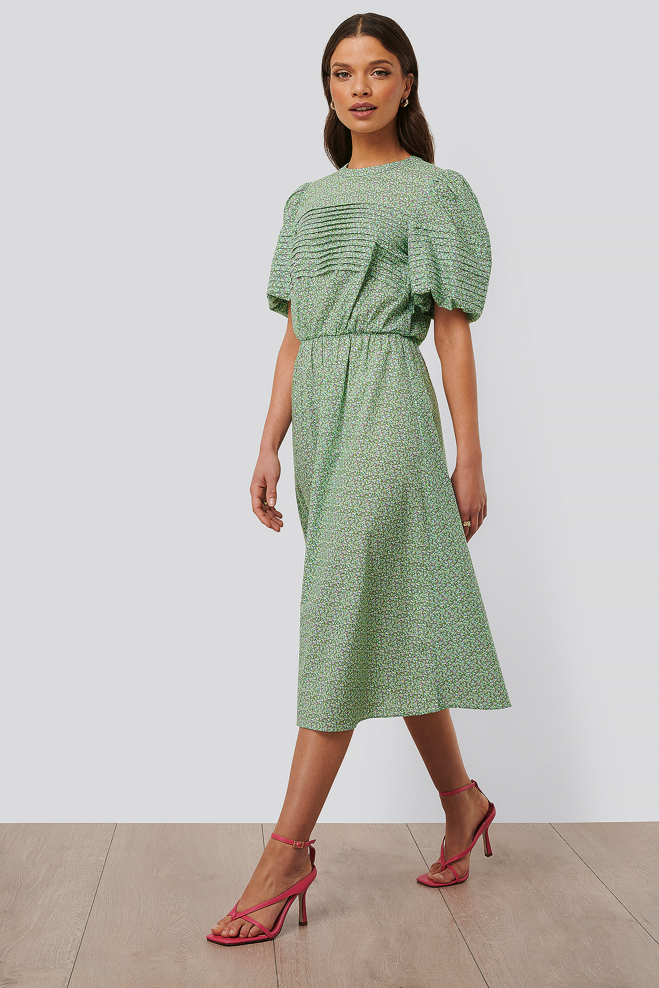 Green Flower Short Puff Sleeve Midi Dress
