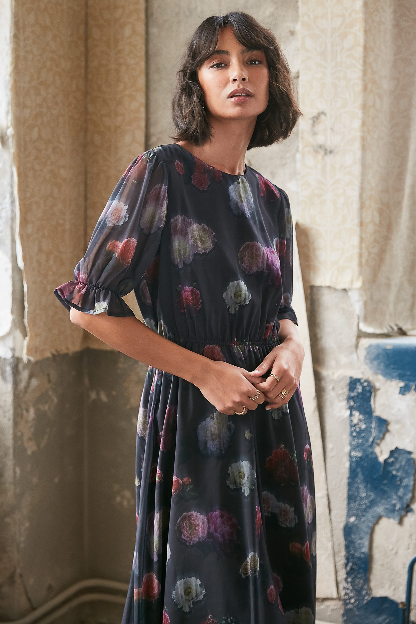Black Short Sleeve Flower Printed Chiffon Dress