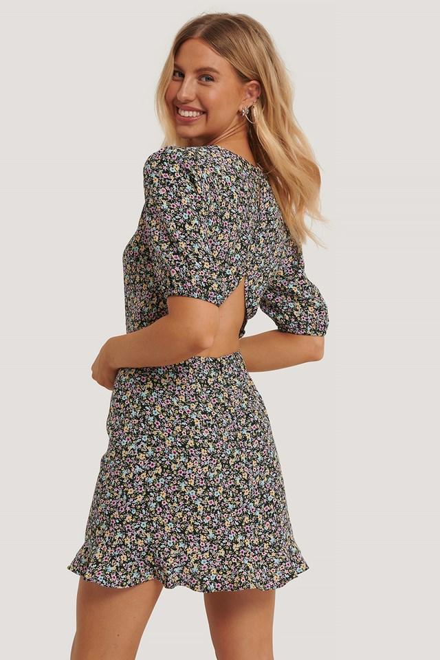 Multi Floral Print Sukienka Z Krótkim Rękawem I Odsłoniętymi Plecami