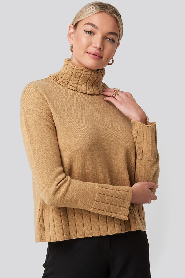 Brown Slouchy Turtle Neck Sweater