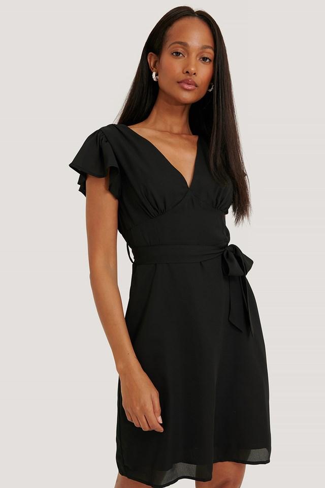 Black Sukienka Z Falbankami, Elementy Ozdobne Z Tyłu