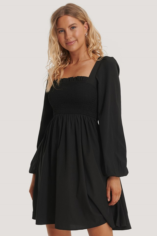 Black Sukienka Z Kwadratowym Dekoltem