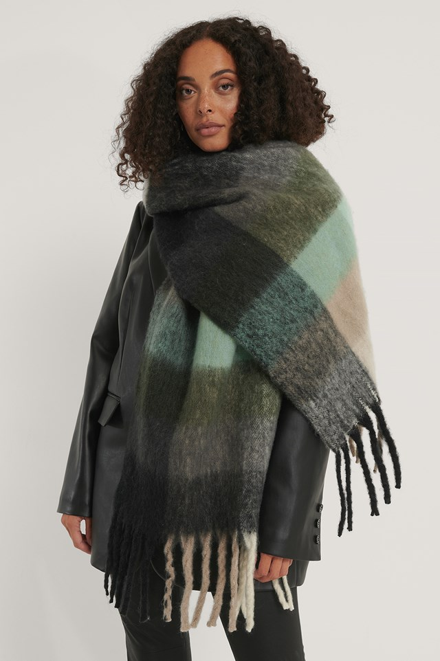 Super Soft Checked Tassel Scarf Grey/Green