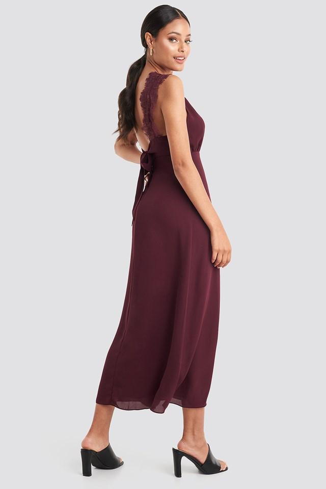Burgundy Sukienka z Cienkimi Ramiączkami, Szeroka Koronka