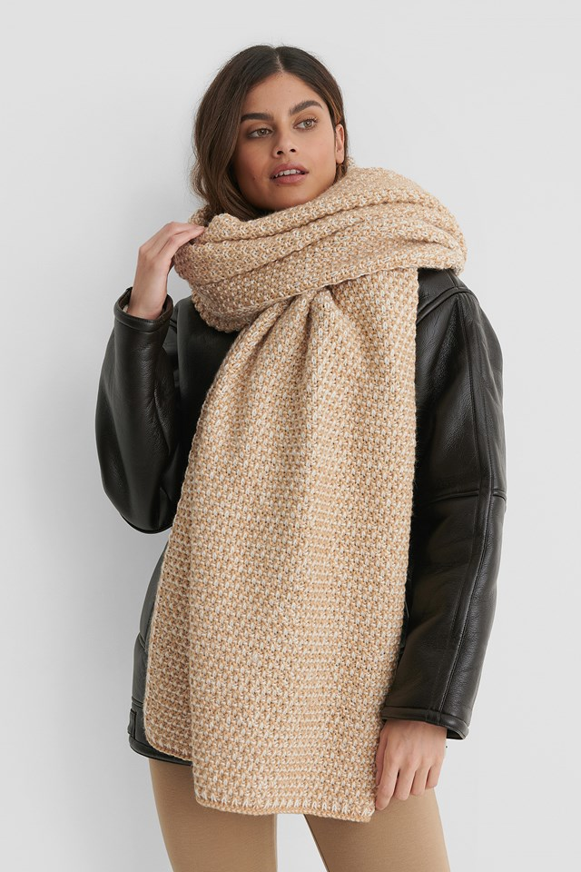 Two Toned Chunky Knit Scarf Beige/White