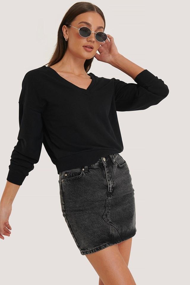 V-Neck Sweatshirt Black
