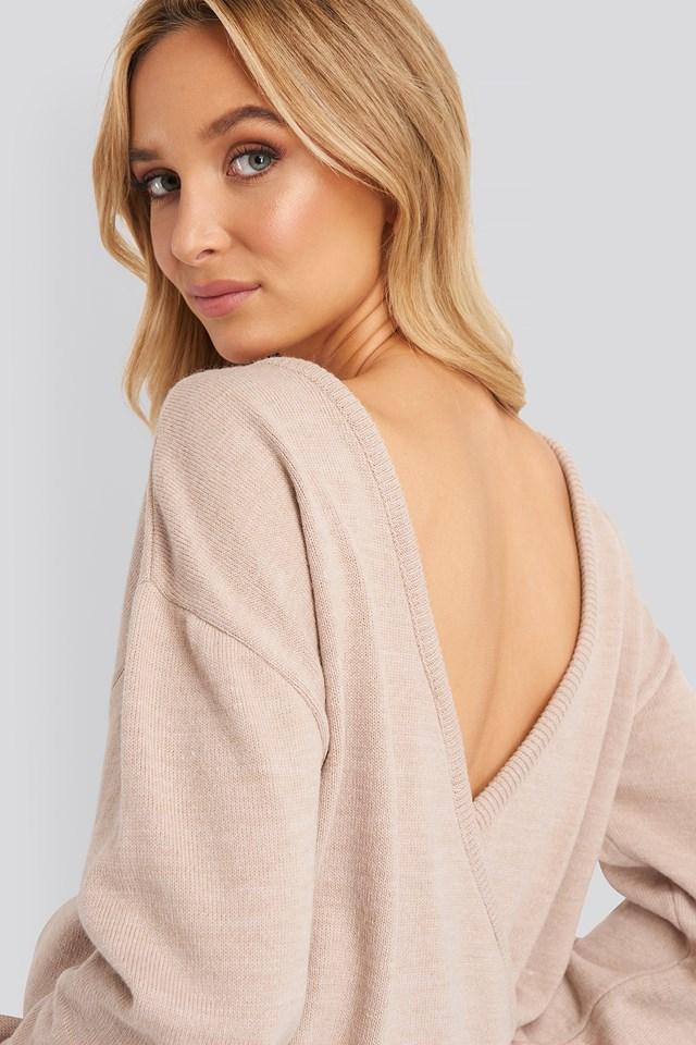 Sweter Z Głębokim Dekoltem Na Plecach Rose