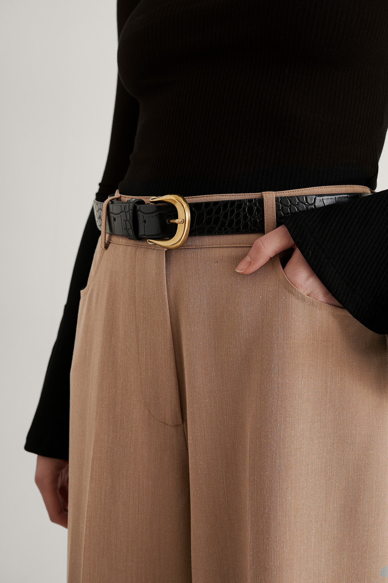 Black Vintage Look Croc Belt