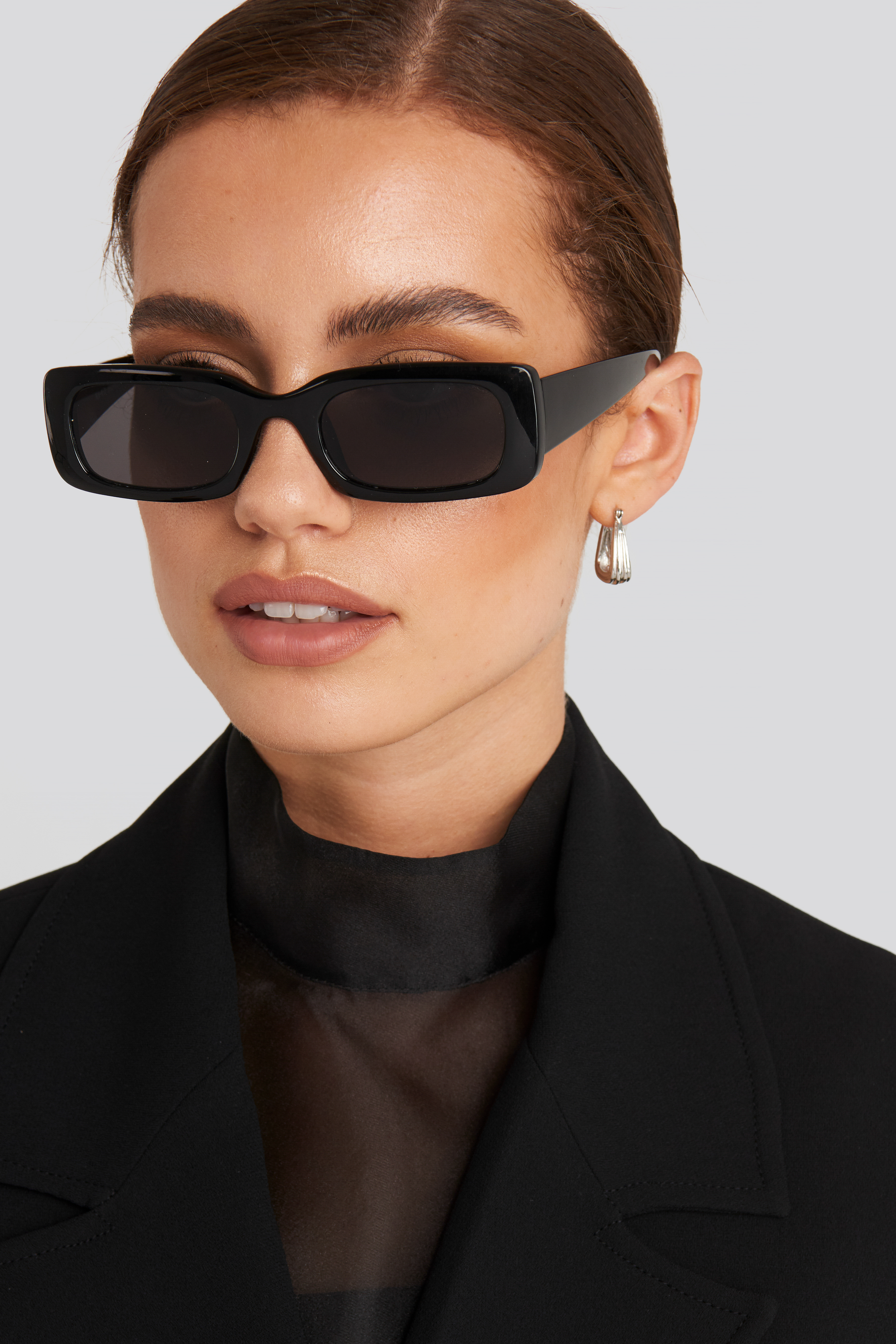 Black Wide Retro Look Sunglasses