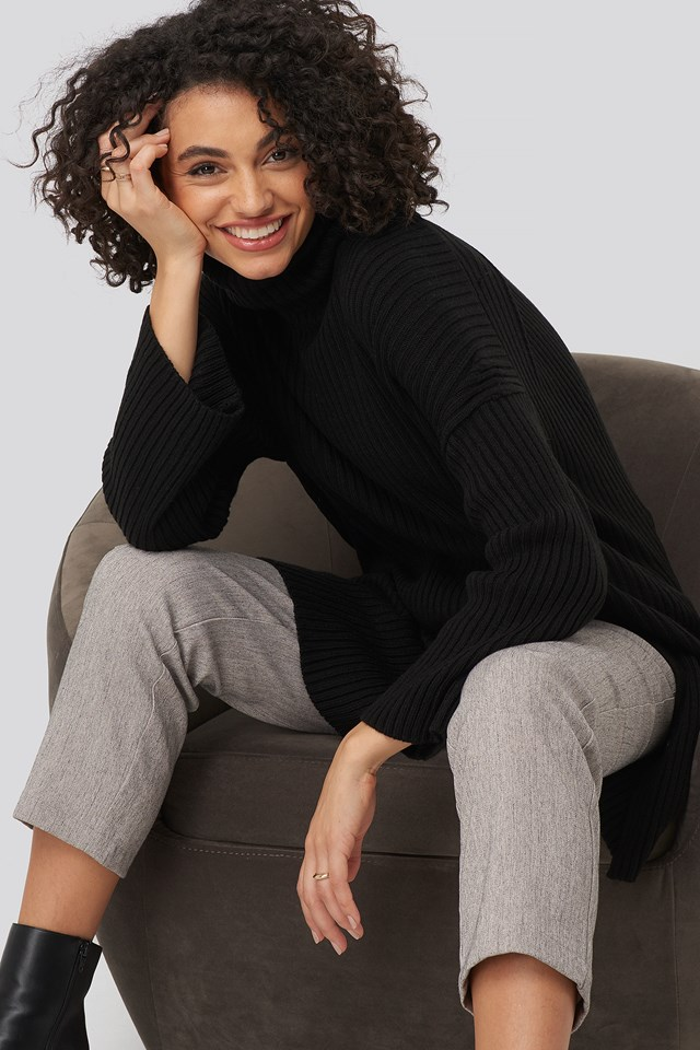 Black Front Slit Turtleneck Knitted Tunic
